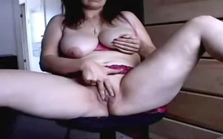 housewife masturbates for chaps on web camera
