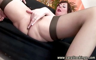 older whore in nylons acquires dick