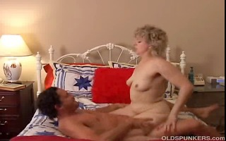hawt cougar loves to fuck a younger chap