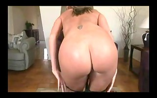 blonde mature tugjob
