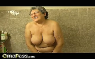 granny masturbate herself with a toy in bathroom