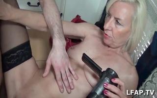 mature se prend une belle bite avant l ejac