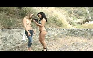 hot lesbian chicks doing photo en porn scene
