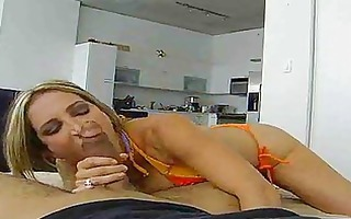 blond d like to fuck receives screwed in a