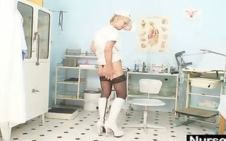old blond d like to fuck stuffing muff with
