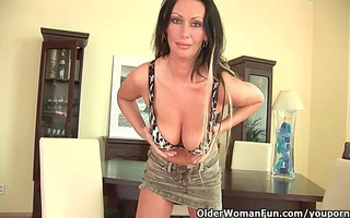 soccer mama with enormous pantoons is dildoing