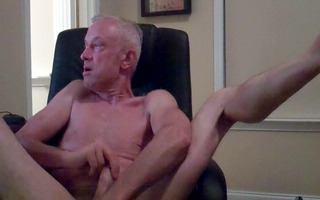 dad masturbating in computer chair