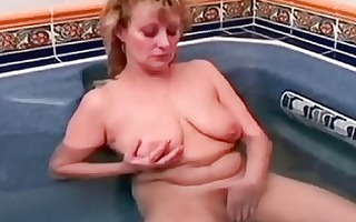 granny older hottie getting her bawdy cleft didlo