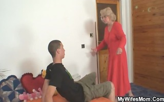 wife finds him fucking her old mommy