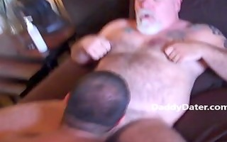 hairy daddybear top with tattooes acquires