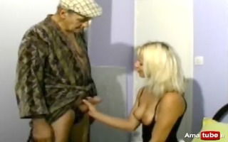 papy fucking a blond with his neighbour