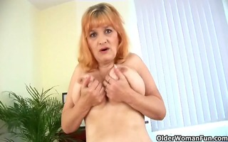 busty granny can toying her old and shaggy snatch