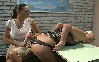 sluty blond lesbo in leather corset t live