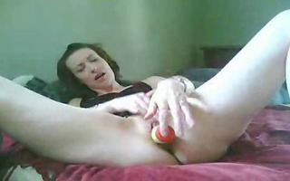 she is cums on her dildo (self-shot)