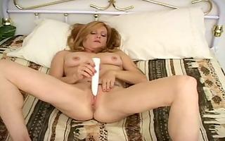 hawt mother id like to fuck tonni