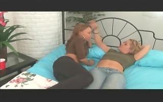 lesbo giving a kiss