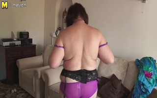 chubby amateur mother toying her old bawdy cleft