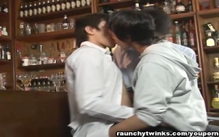 homosexual twinks threeway at the bar