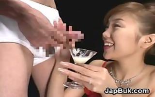 cumdrinking japanese geisha can bukkake