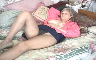 wife in sofa
