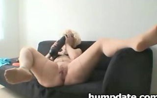 sweetheart inserts massive dildos and acquires