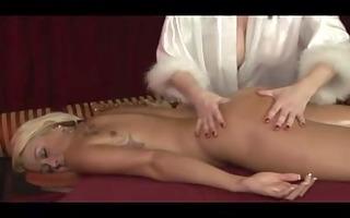 lesbo chicks massage