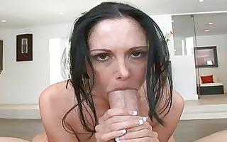 beauty sucks pecker before sex