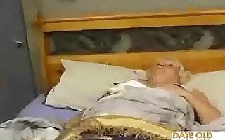 bulky older copulates the massage lad