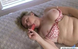non-professional housewife enjoys extraordinary