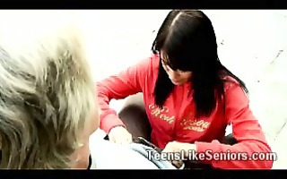 youthful dark brown hotty kneels to blow wicked