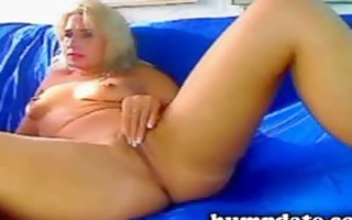 hawt blond d like to fuck playing with her cunt