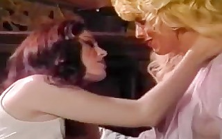 retro lesbo babes fascinating fucking on the