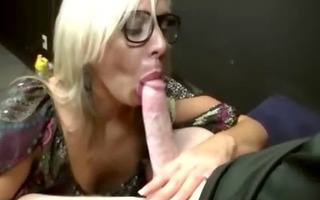 blonde d like to fuck gives head to juvenile lad