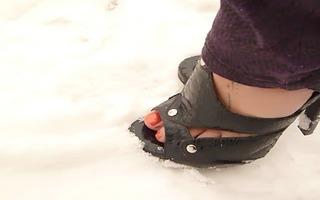 babysitter feet and snow