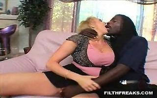 this lad copulates his girlfriend then bonks her