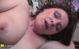 aged bitch mother can a younger penis inside her