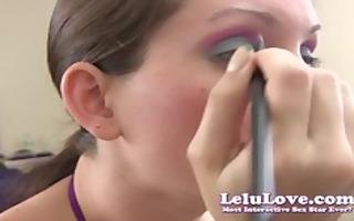 lelu lovemakeup lipstick giving a kiss closeups