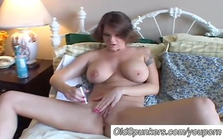 big scones d like to fuck shaves her glamorous
